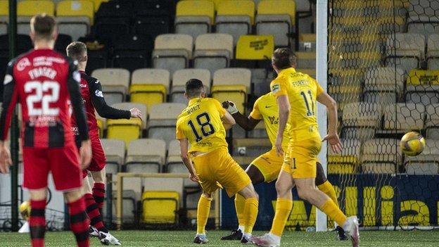 Jake Doyle-Hayes goal v Livingston