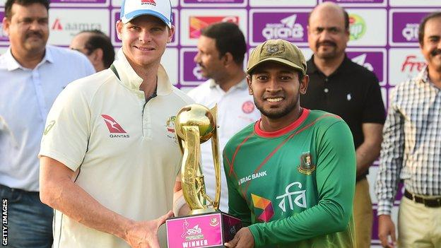 Captains Steve Smith and Mushfiqur Rahim with the Test series trophy