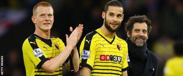 Ben Watson celebrates with Mario Suarez and Quique Sanchez Flores