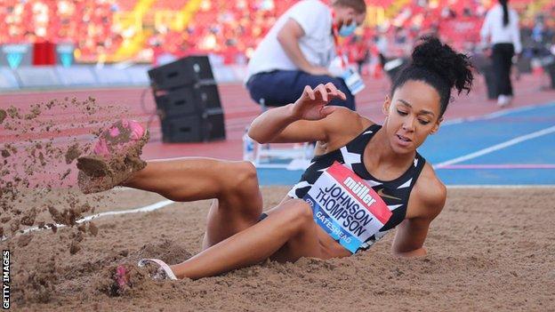 Katarina Johnson-Thompson struggles in Gateshead at British Grand Prix thumbnail
