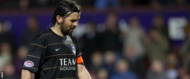 Injury problems convinced Paul Hartley to hang up his boots while Aberdeen captain
