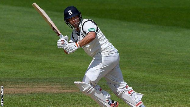 Warwickshire's former England Test batsman Jonathan Trott