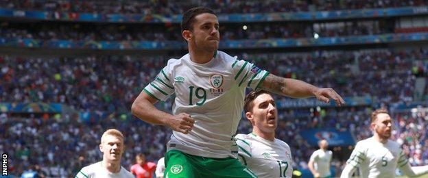 Robbie Brady celebrates after scoring his early penalty against France