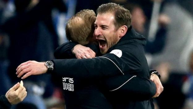Huddersfield 1-0 Wolves: Jan Siewert gets first win with late goal thumbnail