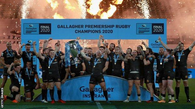 Exeter Chiefs lift trophy