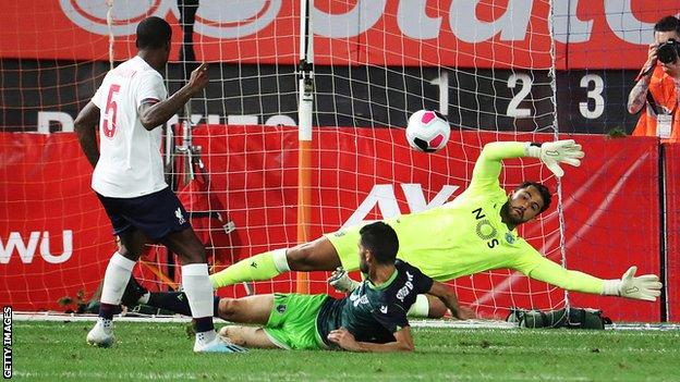 Georginio Wijnaldum scores for Liverpool against Sporting Lisbon