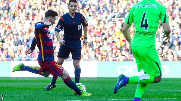 Lionel Messi scores against Getafe