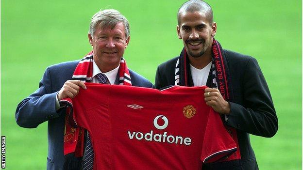 Man united news  football news  football transfer and rumours Juan Sebastian Veron