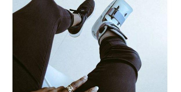 Dina Asher-Smith tweeted a photo of the protective boot she had to wear after breaking her foot on the underside of a bench in a training session in February 2017