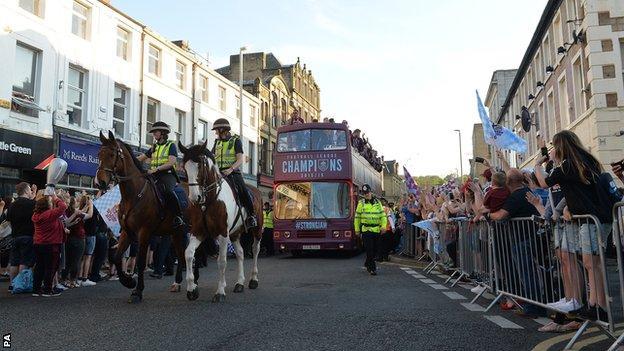 Burnley open top bus