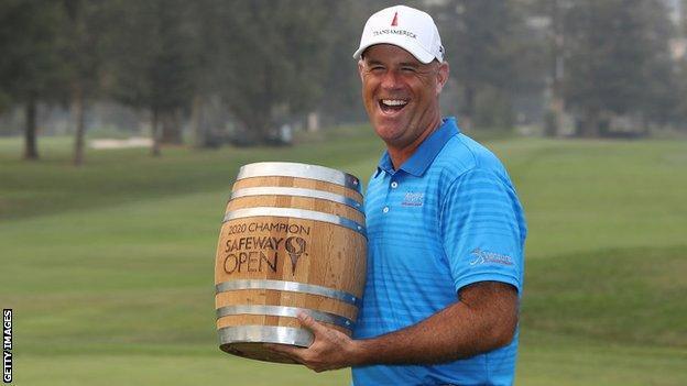 Stewart Cink with the Safeway Open trophy