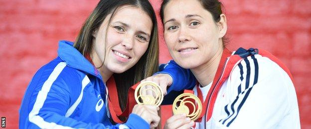 Kimberley and Louise Renicks with their Commonwealth Games gold medals