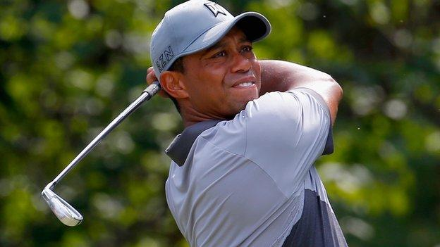 Tiger Woods in third-round action