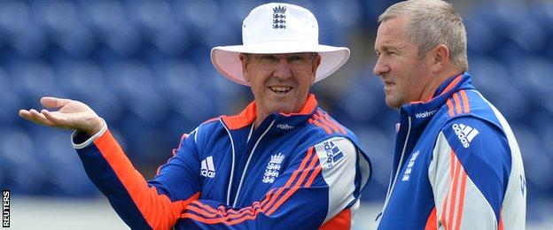 England head coach Trevor Bayliss (left) and assistant Paul Farbrace (right)