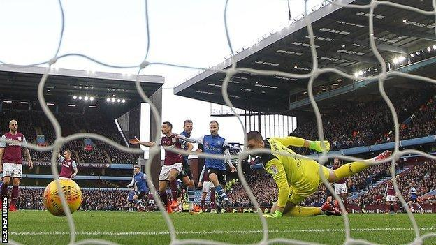 Jordan Rhodes struck his second goal in successive games, having previously not scored in the league since March