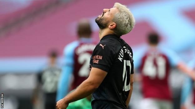 Sergio Aguero reacts during Manchester City's 1-1 draw at West Ham