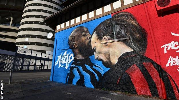 A mural of the clash between Romelu Lukaku and Zlatan Ibrahimovic next to the San Siro