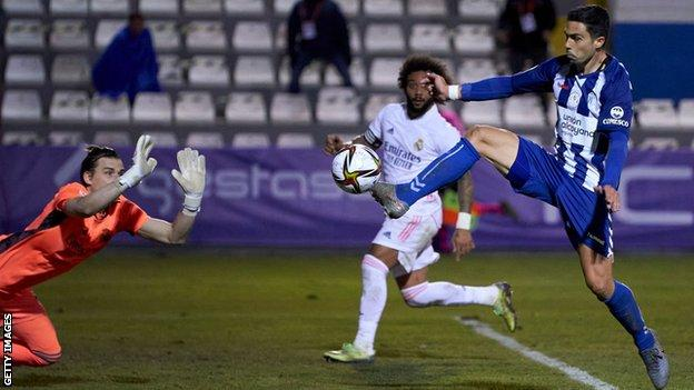 Alcoyano score their winner