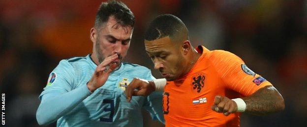 Michael Smith and Memphis Depay