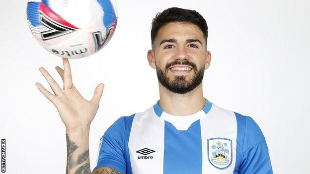 Pipa Huddersfield Town Sign Espanyol Defender As Ramadan Sobhi Leaves Bbc Sport