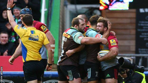 Rob Buchanan scores for Quins