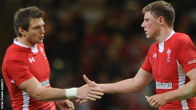 Rhys Priestland and Dan Biggar (L)