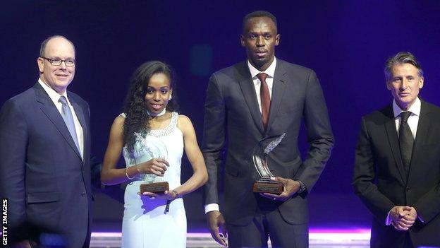 Usain Bolt (centre right) with Almaz Ayana (centre left)
