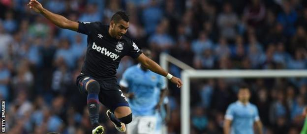 Dimitri Payet playing for West Ham at Manchester City