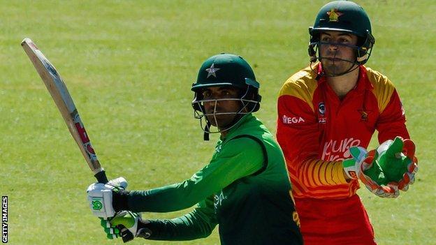 Pakistan's Fakhar Zaman and Zimbabwe wicketkeeper Ryan Murray