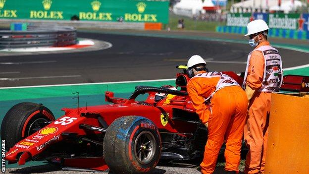 Lewis Hamilton booed after taking pole position for Hungarian Grand Prix, F1 Daily