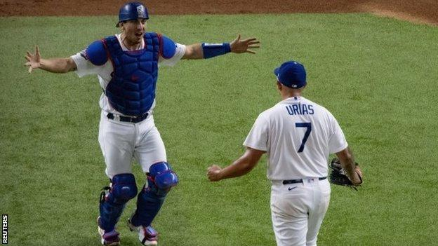 World Series: LA Dodgers beat Tampa Bay Rays to triumph for first time since 1988 thumbnail