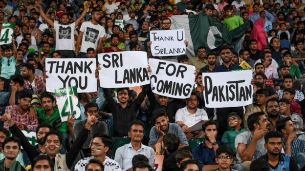 Pakistan v Sri Lanka: First home Test in 10 years a 'celebration for nation' thumbnail