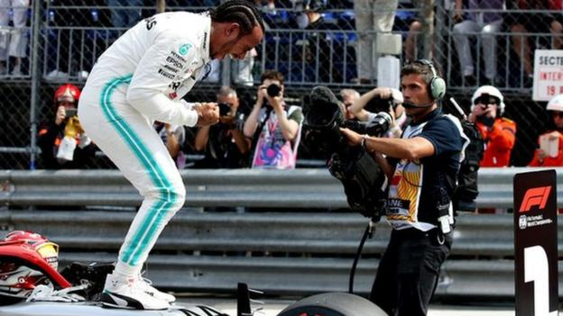 Lewis Hamilton: Mercedes driver determined to' keep going' in F1 thumbnail