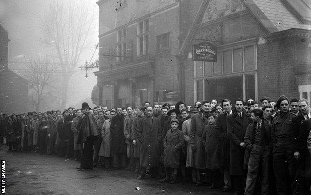 21st November 1945- Part of the queue outside Tottenham's ground for the football match between Arsenal and Dynamo Moscow