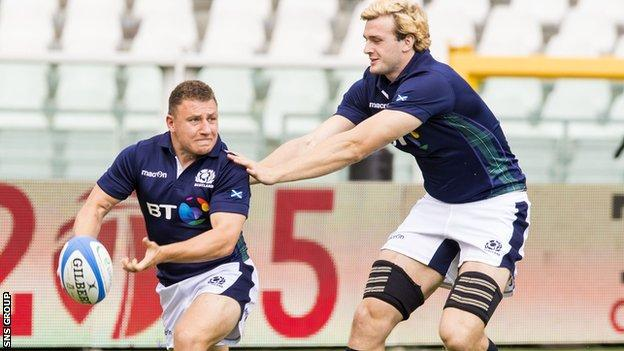 Duncan Weir and Richie Gray training in Turin