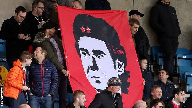 Nottingham Forest fans show their support for manager Aitor Karanka