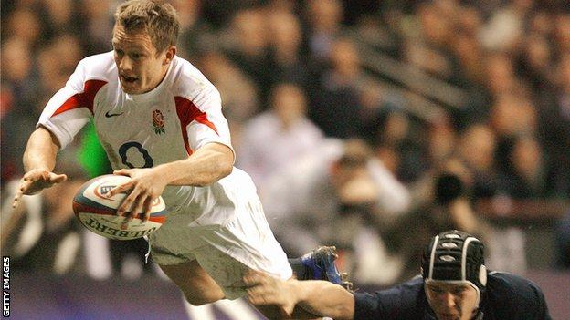 Jonny Wilkinson scores a try for England against Scotland in 2007