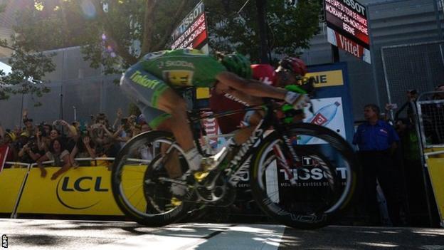 Peter Sagan wins a third stage of the 2016 Tour