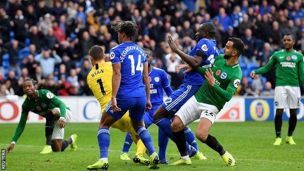 Sol Bamba scores the winner