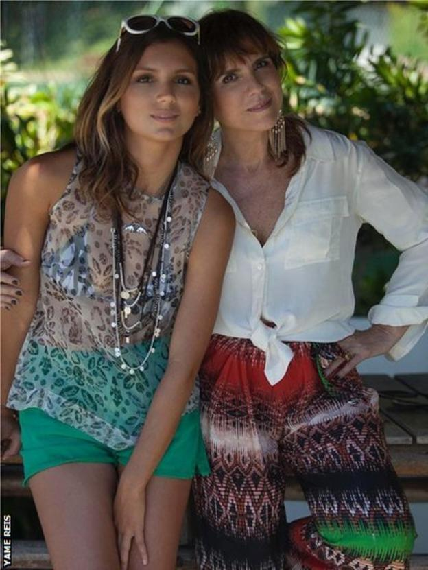 Maya Gabeira (left) and her mother in a family picture