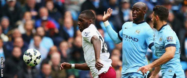 Man City defenders Eliaquim Mangala and Martin Demichelis