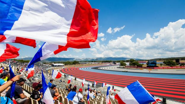 The French fans got well a truly into the spirit of things during third practice by waving flags