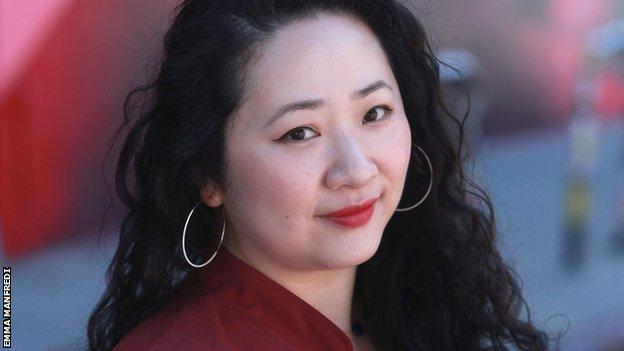 Director, Yoo Joo, shot in the head.