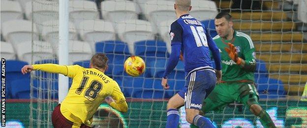 Rouwen Hennings scores for Burnley