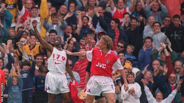 Ian Wright celebrates his 179th Arsenal goal with Ray Parlour