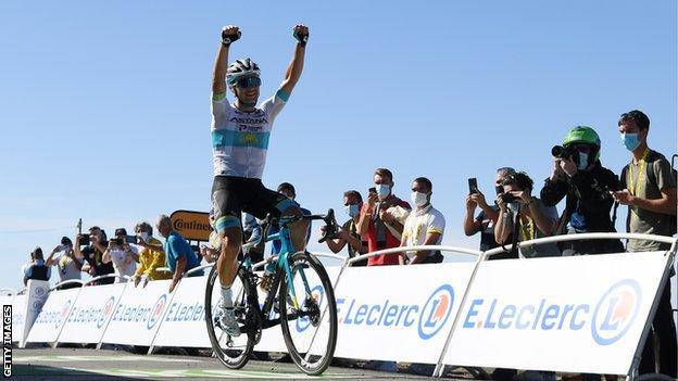 Lutsenko wins Tour de France stage six as Britain's Yates stays in yellow thumbnail