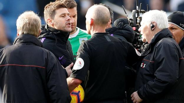 Mauricio Pochettino: Tottenham boss might apologise to referee Mike Dean thumbnail
