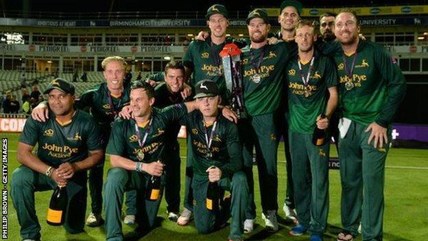 Notts Outlaws celebrate winning the T20 Blast