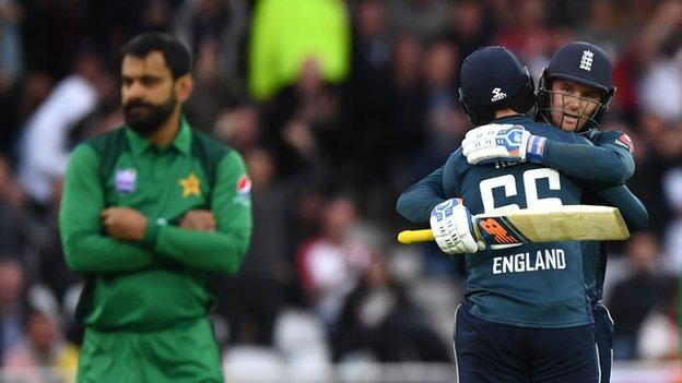 Jason Roy: England batsman on 'emotional' century against Pakistan after 'rough morning' thumbnail