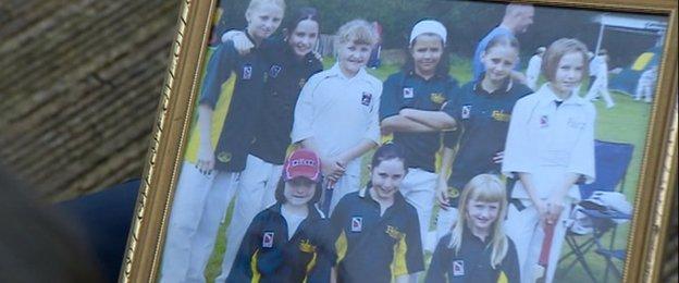 Earlswood girls team photo